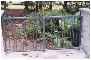 Railing With Straight Alternating Pickets