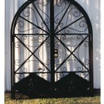 Double Arch Top Gate With Griffin Detail